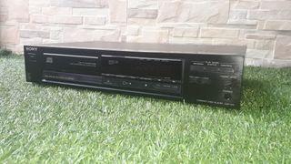 reproductor CD SONY modelo CDP 270