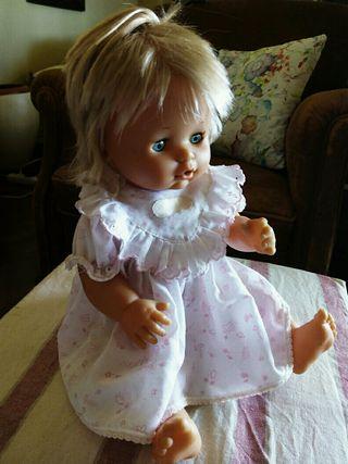 Muñeca marca Famosa años 80.