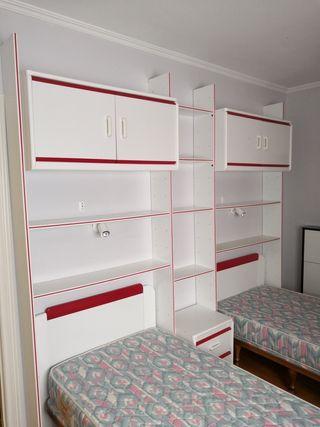 Camas y mueble habitacion