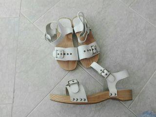 Sandalias para niña y mama Zara
