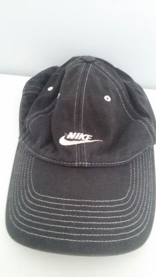 Gorra Nike de segunda mano en Barcelona en WALLAPOP b69adf26d13