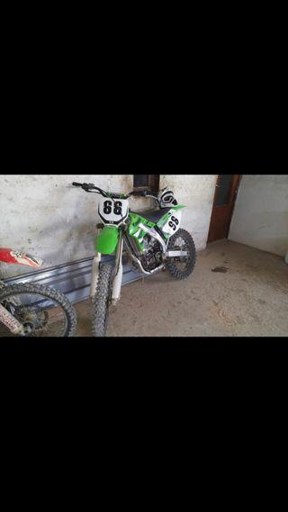 Kawasaki kxf 450 MUY NUEVA