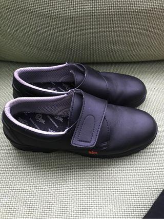 Zapato sanitario t.45