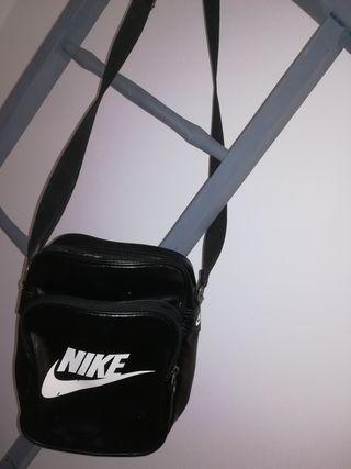 Mano Wallapop Riñonera Segunda De En Nike w00qaYt