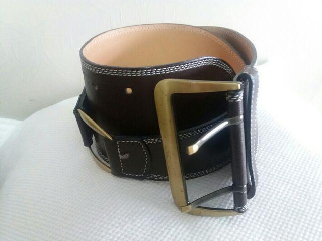 Cinturon ancho marrón de segunda mano por 3 € en Vitoria-Gasteiz en ... 73302b1f8f9f