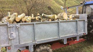 Tractor de leña