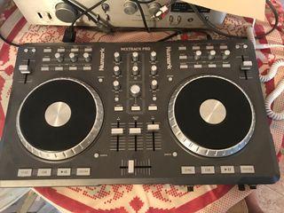 Mesa de mezclas MixTrack Pro