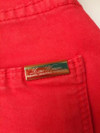 pantalon color rojo