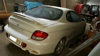 Hyundai Coupe 1.6 año 2000