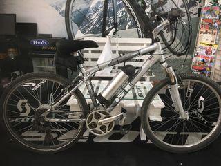 Bicicleta GT con kit eléctrico