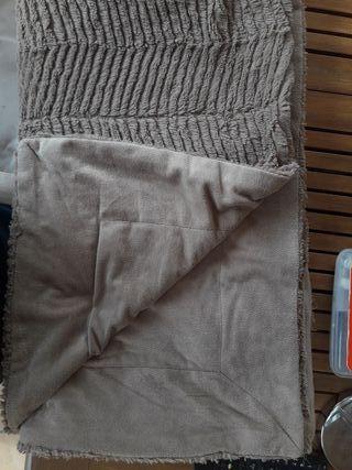 Mantitas sofa