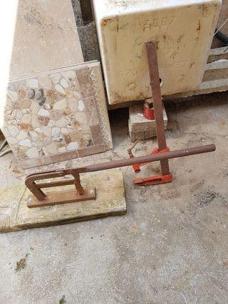 se vende máquina de cortar tejas antiguas