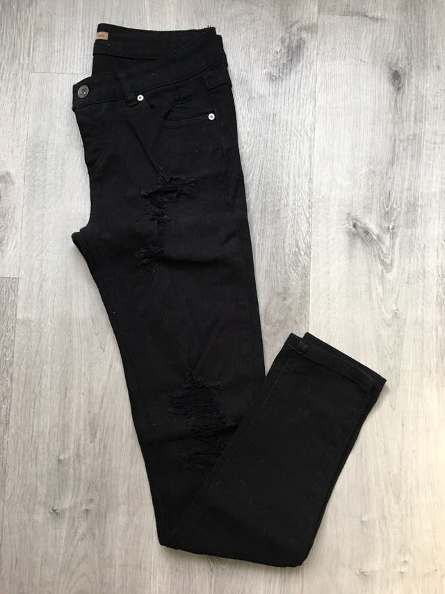 Pantalon Vaquero Roto Negro Pull Amp Bear Pitillo 36 De Segunda Mano Por 12 En Ferrol En Wallapop