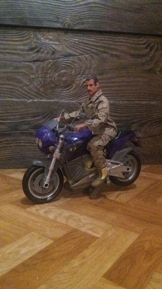 Soldado 1/6 con Moto