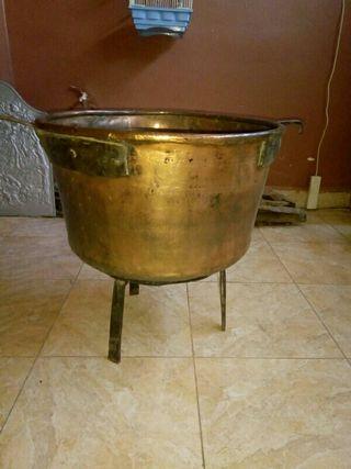 caldera de cobre antigua