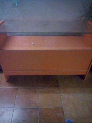 mostrador color naranja