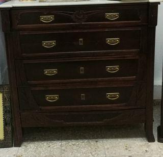 Antigua cómoda mueble restaurado