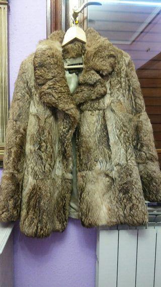 Precioso chaquetón de piel. Vistoso