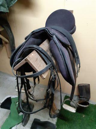 silla inglesa y cabezada