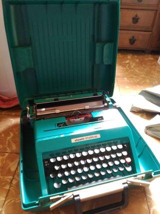 Máquina de escribir Olivetti Studio 45 color azul