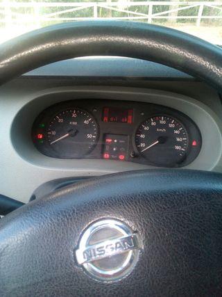 coche Nissan