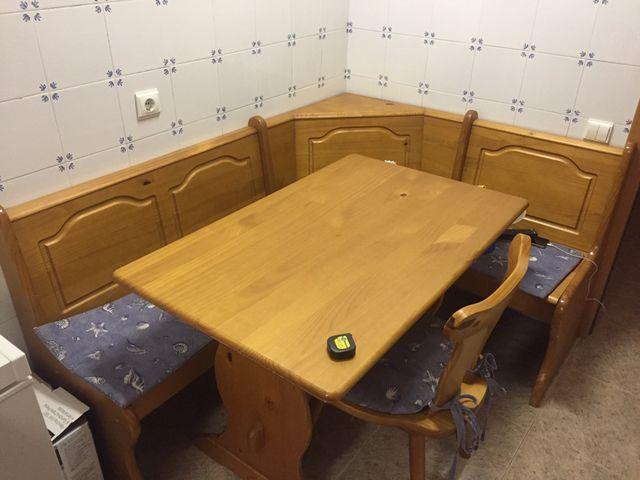 Mesa esquinera de cocina