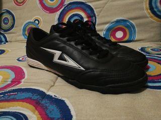 botas de Fútbol talla 44 o 10,5 usa.