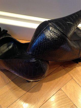 Zapatos de mujer en negro