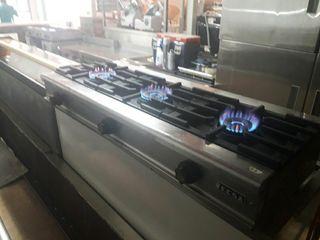 cocina industrial sobremesa de 3 fuegos