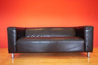 Sofa Klippan Cuero Negro (2 plazas)