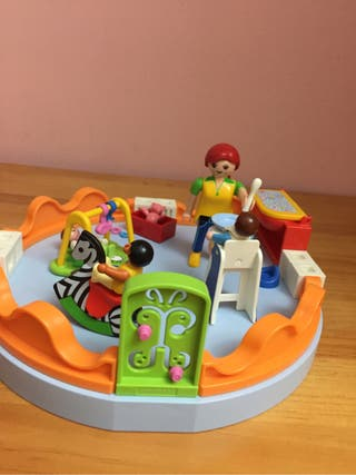 Playmobil zona bebes