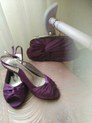 zapatos de fiesta y bolso a juego