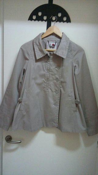 chaqueta tipo gabardina corta