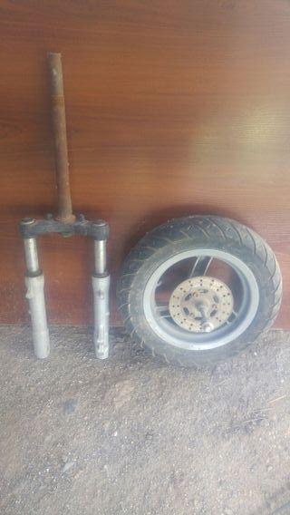 horquilla y rueda