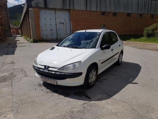 Peugeot 206 2001 gasolina .