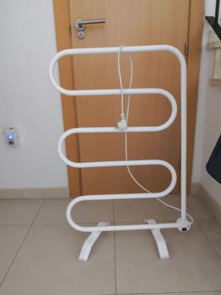 toallero eléctrico de pie marca oxil