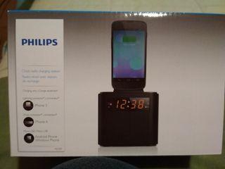 Radio despertador con cargador de móvil