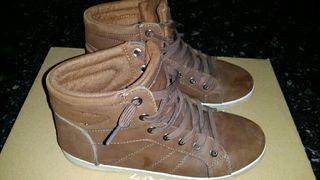 Zapatillas bota