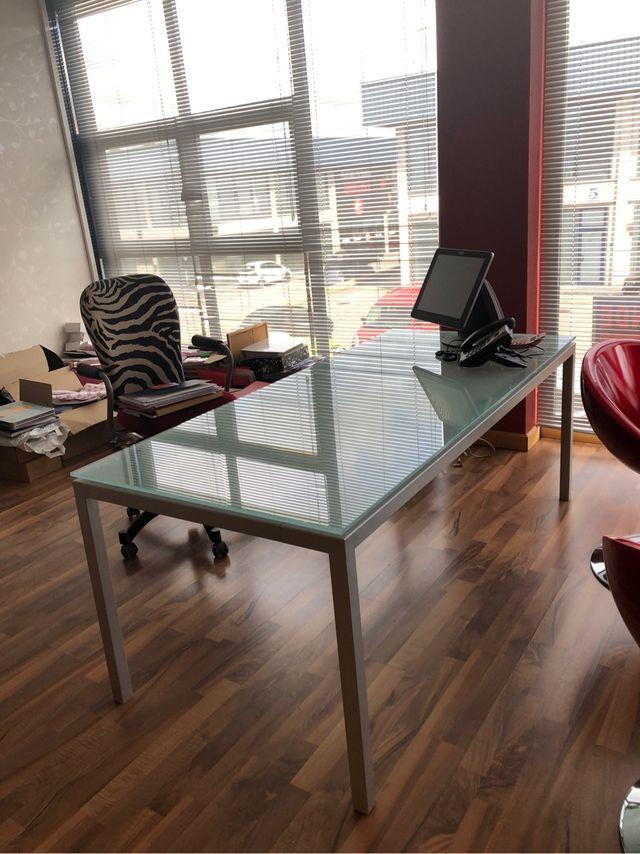 Mesas cristal oficina de segunda mano por 280 € en Villaviciosa de ...