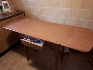 mesa de cocina en buen estado