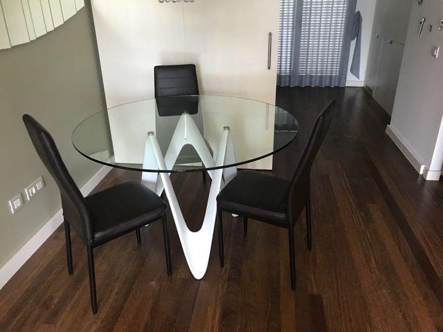 Mesa comedor diseño de segunda mano por 249 € en Manresa en WALLAPOP