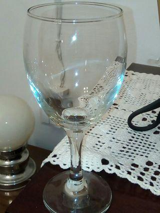 copas de agua/vino, vasos tuvo, copa cerveza.