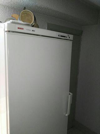 Bosh congelador nuevo usado en dos veces 175:60
