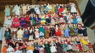 colección de 70 muñecas de ceramicas