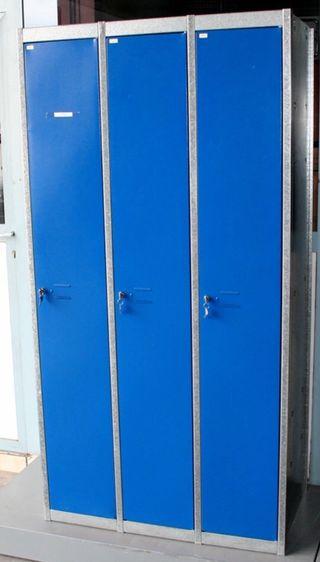 Taquilla puerta azul