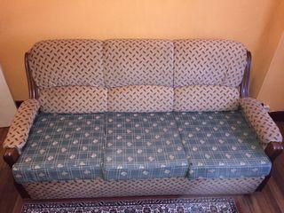 Sofá-cama y dos sillones. Rebajado. Urge la venta