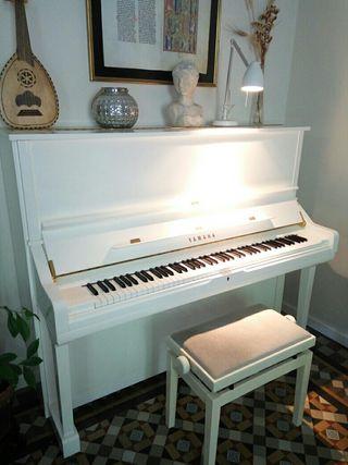 Piano vertical Yamaha
