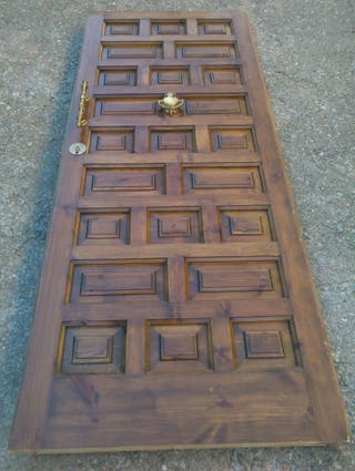 Puerta de madera de exterior