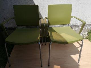 pareja de sillas apilables con brazos diseño