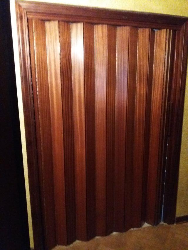 Puerta corredera de madera tipo acorde n de segunda mano - Puerta de acordeon ...